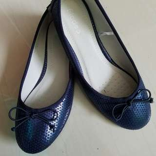 Navy ballerina shoes
