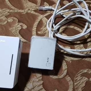 TP Link Wifi Extender set