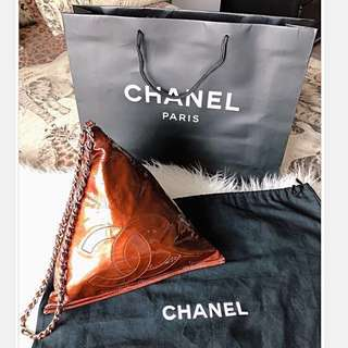 Authentic Chanel candy like pyramid Bordeaux patent logo