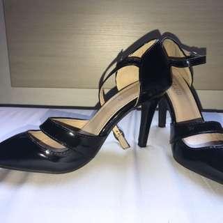 B-Club Black Shoes