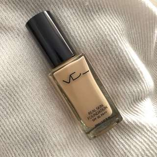 Used VDL Real Skin Foundation