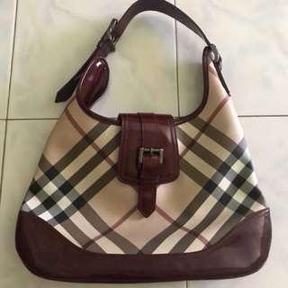 100% Authentic Burberry Brooke Patent Nova Check Hobo Classic Shoulder Bag
