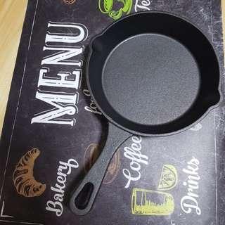 Cast iron pan 20cm