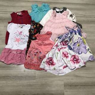 Dresses for 1 year old. Origami, gingersnaps, sprout, etc. 9 pieces