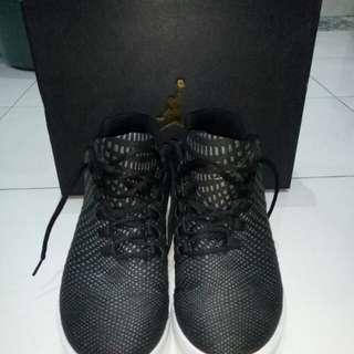 Sepatu Basket Air Jordan B-Fly