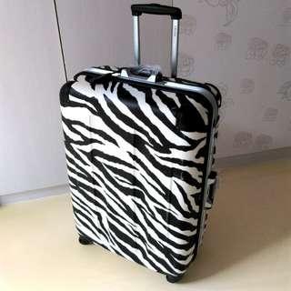 CROWN 👑斑馬紋行李箱29吋