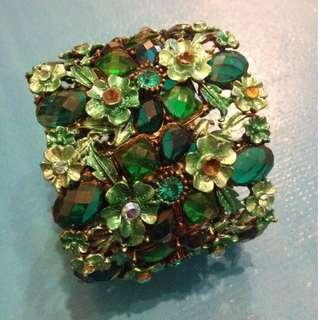 Metal Floral Bangle