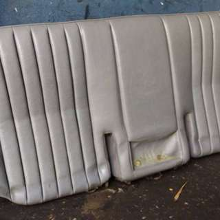 Seat kereta Merz W124 (original)