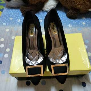 Figlia black shoes w/box (Free SF)