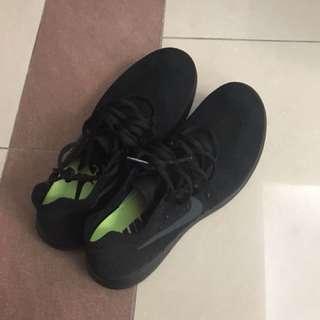 🚚 Nike free us 7.5, 40cm