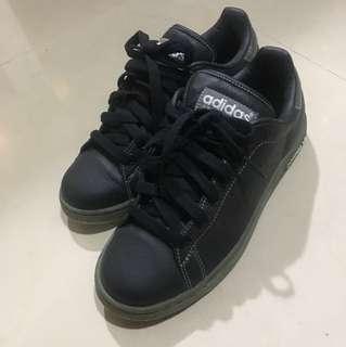 🚚 Adidas黑色休閒運動鞋