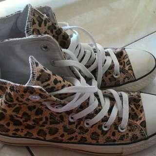 Leopard-patterned Shoes