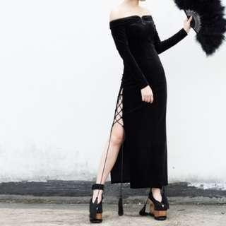 🚚 【黑店】原創設計 訂製款 中國風暗黑系金絲絨開高衩綁帶一字領露肩改良式長袖旗袍
