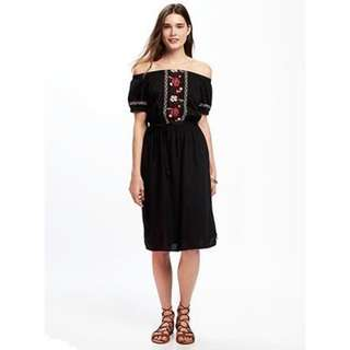 Old navy off the shoulder embroidered midi