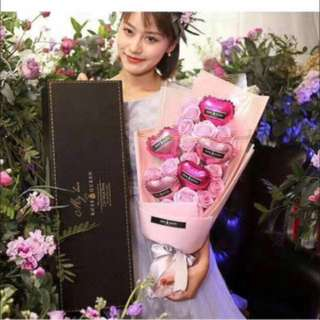 Valentine's Best Buy! Large scented roses gift box(Ht60cmx w20cm)