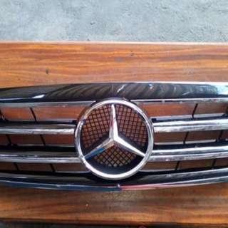 Mercedez Benz (grills w210 millenium look)