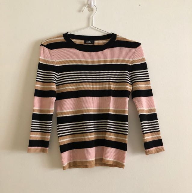 3/4 sleeved striped shirt