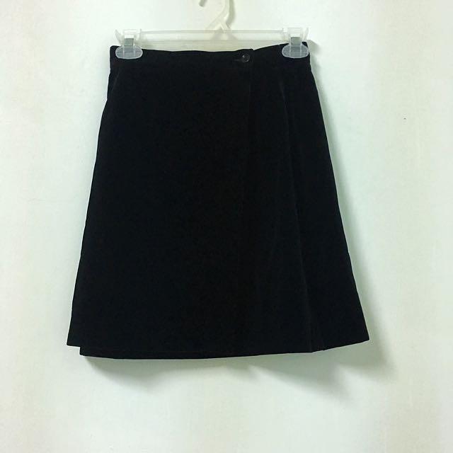 義大利製絨布黑短裙
