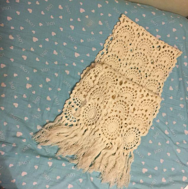 🧣白色蕾絲織法流蘇圍巾