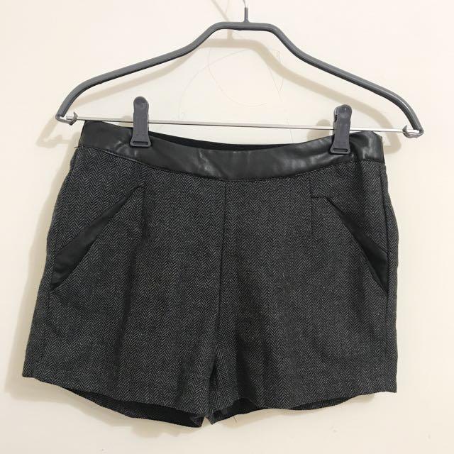 灰色毛料短褲