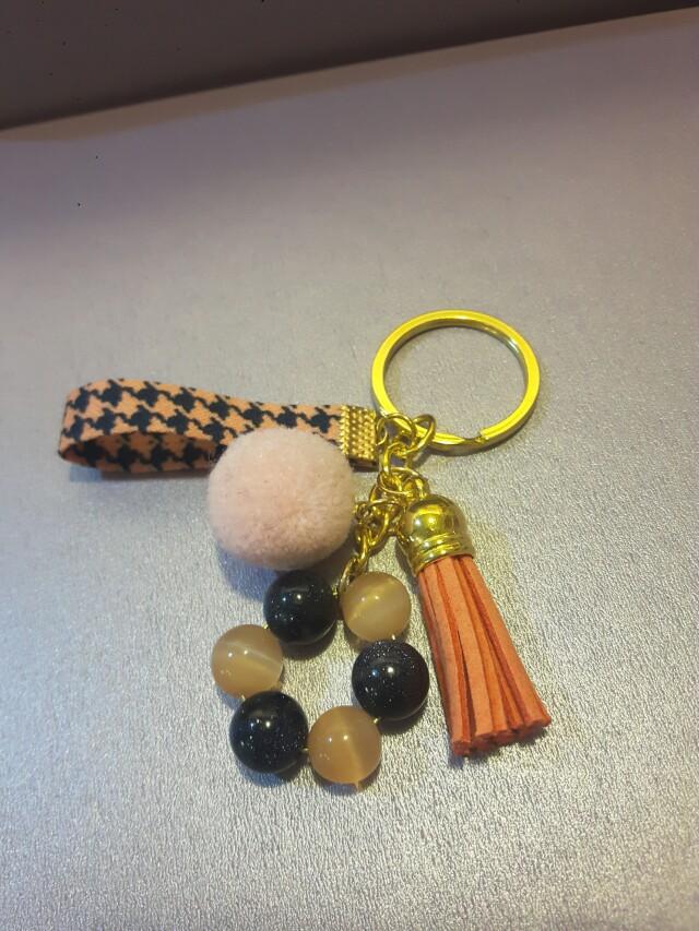 橘貓眼 紫金沙 毛球 緞帶 鑰匙圈
