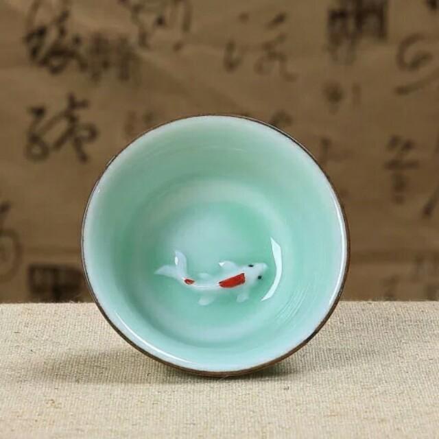 浮雕鯉魚小茶杯 青瓷金魚茶杯 陶瓷 品茗杯 家茶具