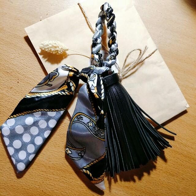 緞面絲巾扭結皮革流蘇包包吊飾 掛飾  正韓飾品 韓妮 花猴 Kashin INGNI pazzo Annadolly