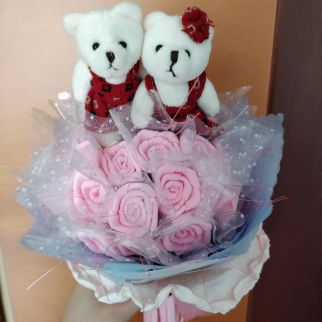 Flower Bouquet with Bears, Design & Craft, Handmade Craft on Carousell