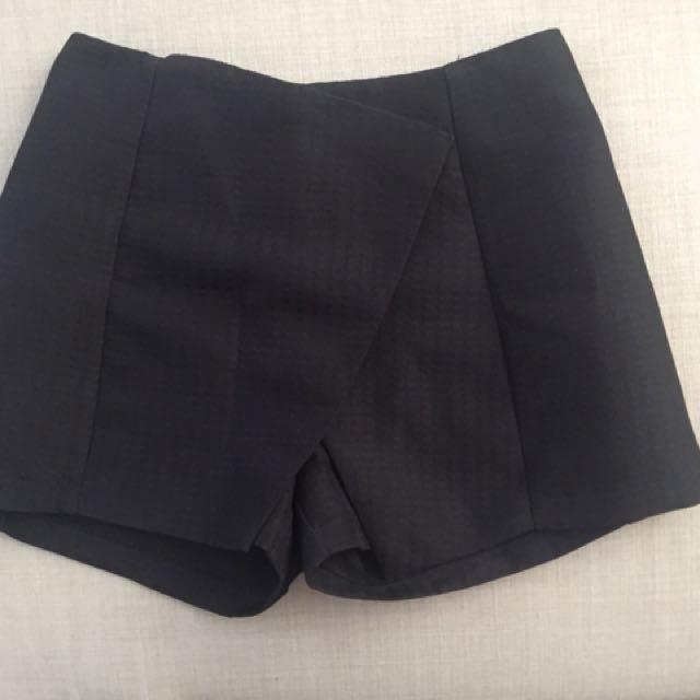 Black skort short style black