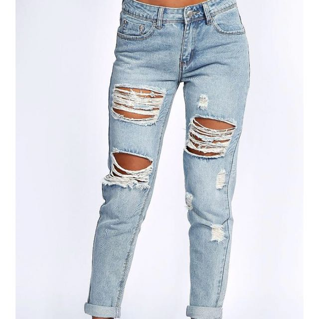 Boohoo ripped blue jeans s12