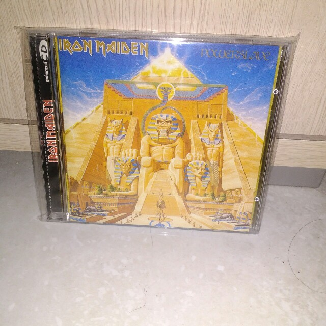 CD Iron Maiden album Powerslave, original import. Masih mulus.