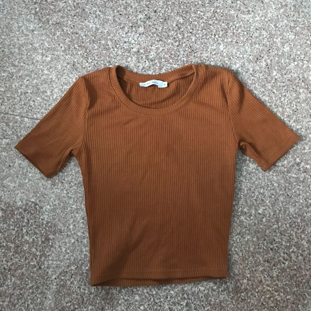 Clay colored ribbed crop top