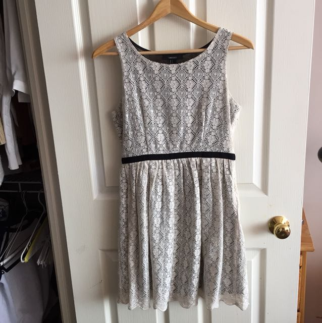 Forever21 size small floral dress worn only once