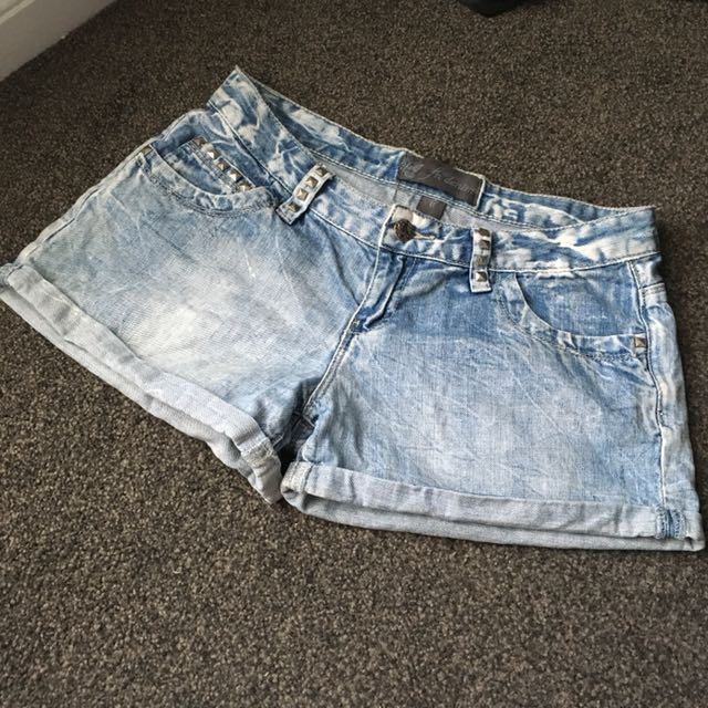 FOREVER NEW-LADIES DENIM SHORTS SIZE 8 - Silver Studded Blue Jean #SundayMarket