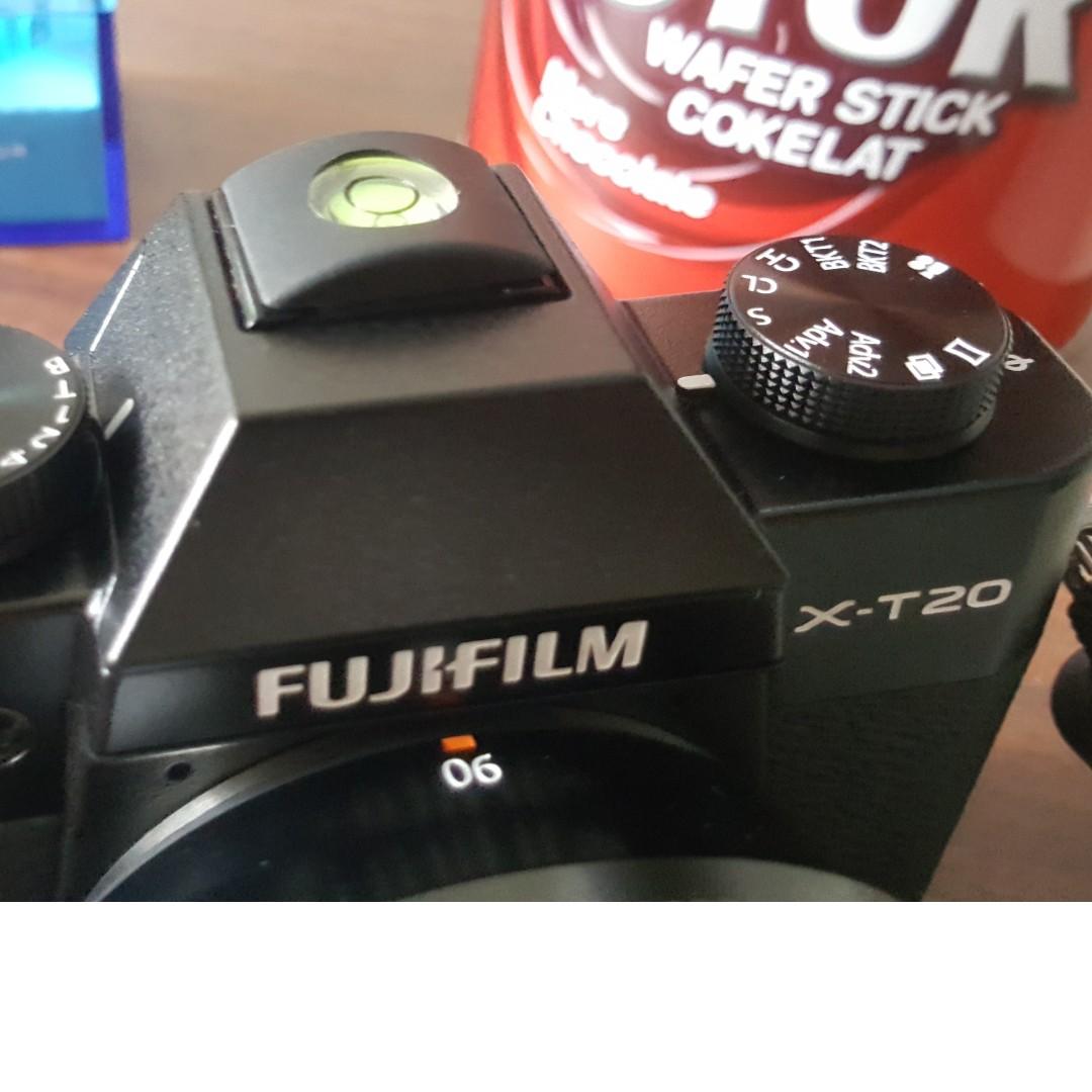 Fujifilm Xt 20 Xt20 Bekas Hitam Body Only Bo Second Like New Silver Black Fotografi Di Carousell