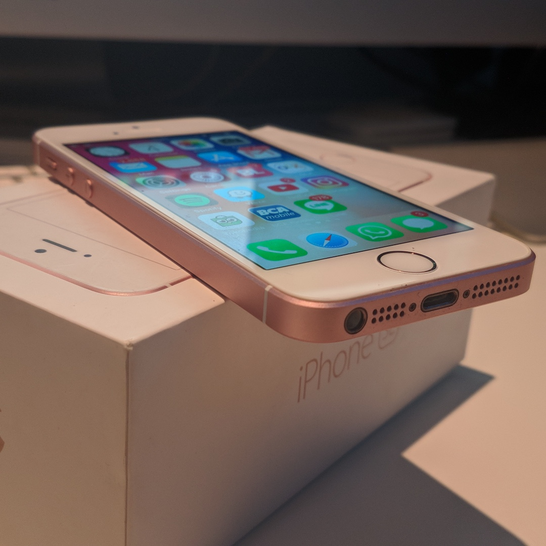 IPhone SE 6s 16GB Rose Gold Lengkap