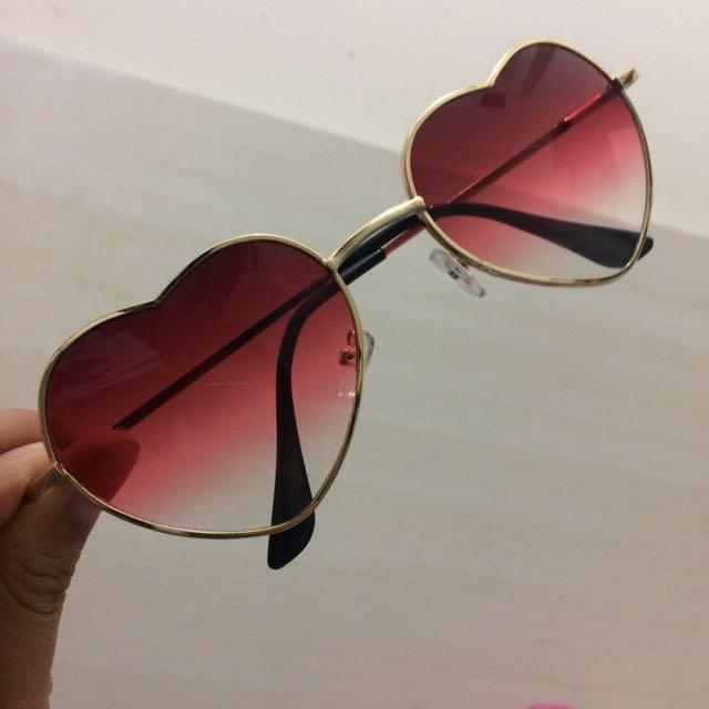 Kacamata Hati in RED