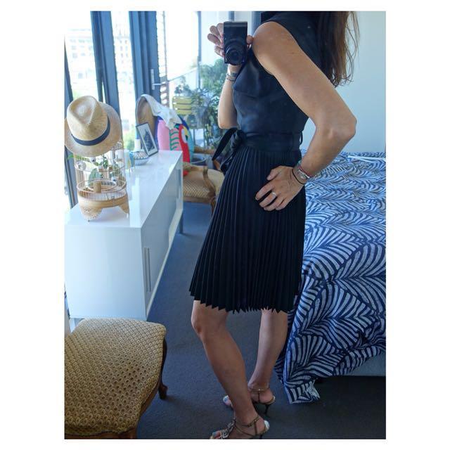 Karen Millen Dress ( Black) Brand new with tags (RRP $425)