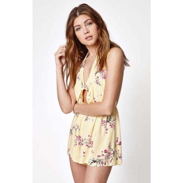 dc896d8d581 Kendall + Kylie Pacsun Yellow Halter Floral Romper