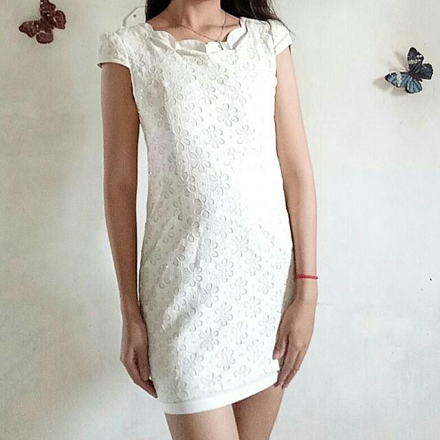 ❗SALE❗Lace Shimmering dress