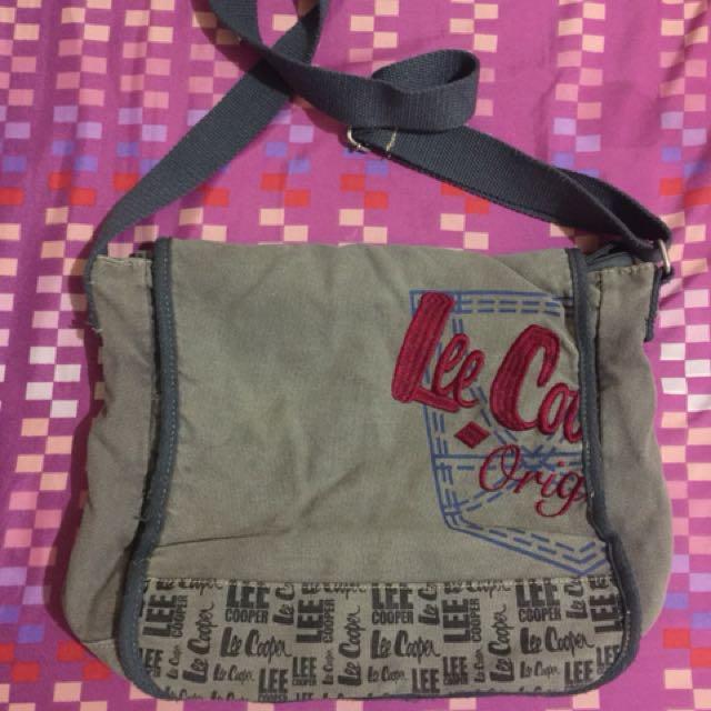 Lee cooper body bag