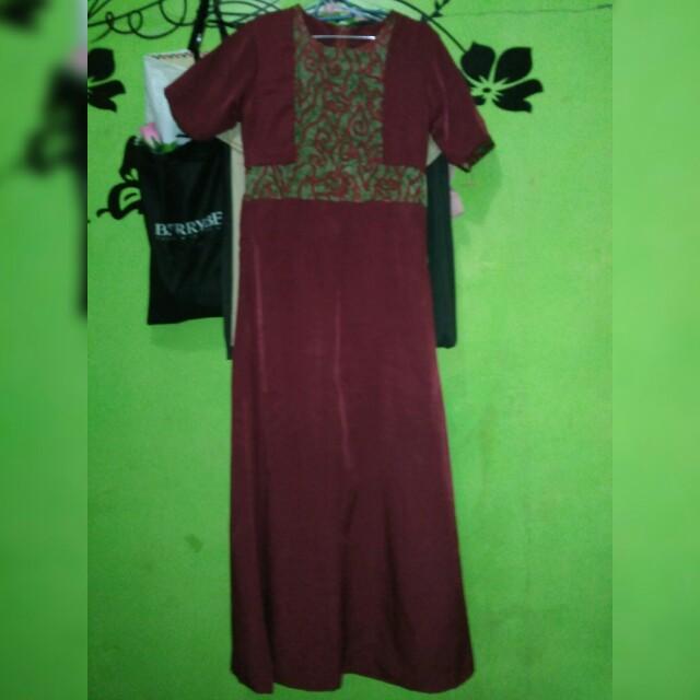 Longdress maroon size S