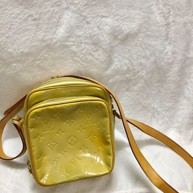 Louis Vuitton sling Vernis yellow
