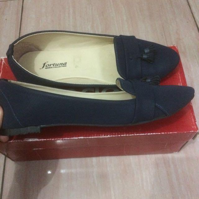 Navy Flatshoes