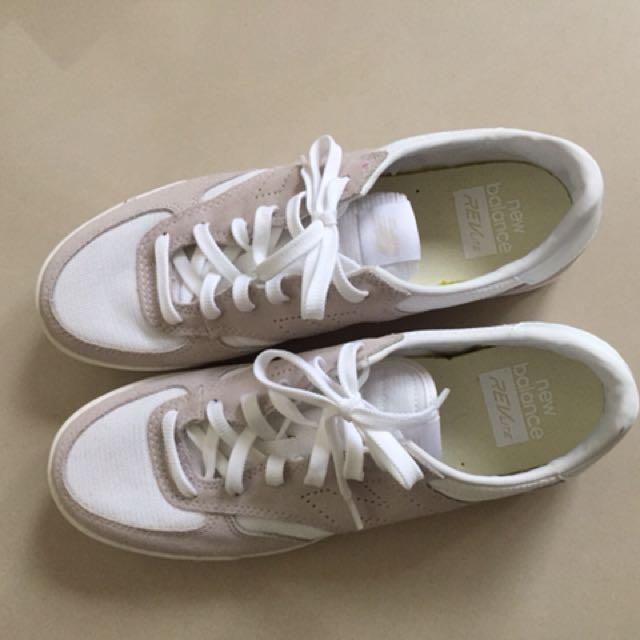 New Balance 全新 休閒運動鞋 杏 白色 9.5號 含運