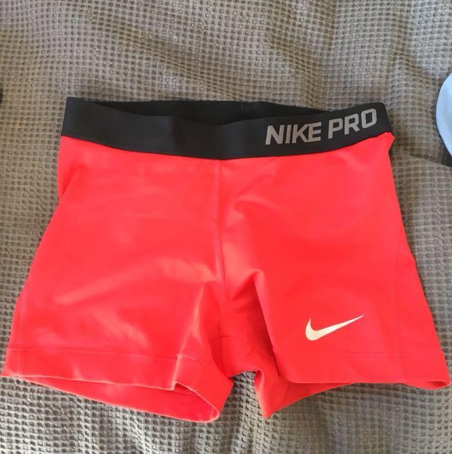 Nike pro spanks M