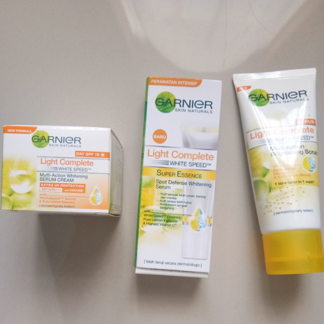 Paket GARNIER Light Complete Series