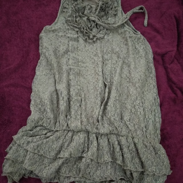 Party short brown dress with lots of ruffles