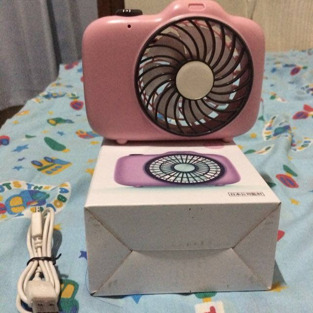 PINK CAMERA MINISO RECHARGABLE FAN