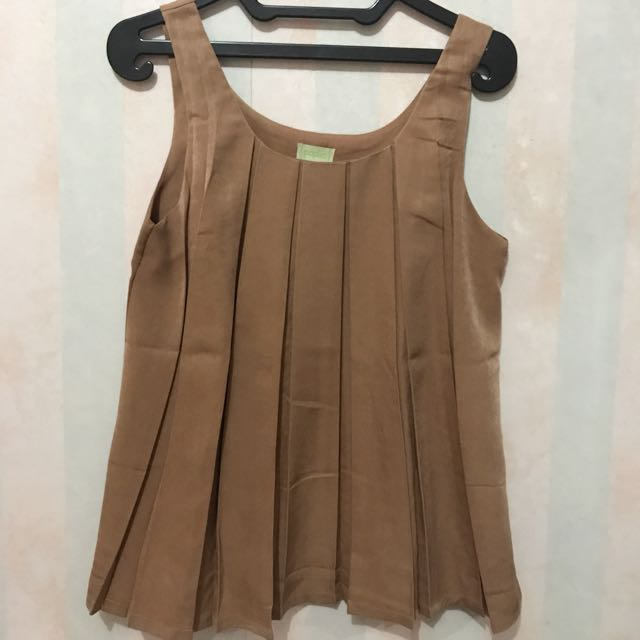 Preloved! Tank top lipit (freesize) fit to L